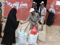 المساعدات الغذائية بارقة أمل في حياة المتضررين من الحروب
